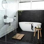 бело чернаЯ ваннаЯ комната с туалетом