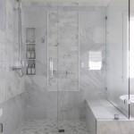 дизайн черно белой ванной комнаты маленького