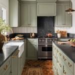 дизайн кухни с зеленым фартуком