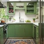 дизайн кухни с зелеными фасадами