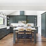 дизайн кухни в светло зеленых тонах