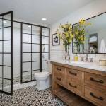 дизайн маленькой белой ванной комнаты