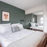 дизайн маленькой спальни с рабочим местом