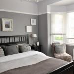дизайн спальни с серой кроватью