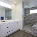 дизайн ванной комнаты маленького размера с душевой