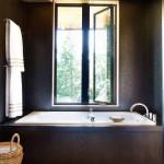 дизайн ванной комнаты небольшим окном