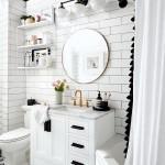 дизайн ванной комнаты с белым полом