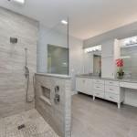 дизайн ванной комнаты с душевым боксом