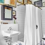 дизайн ванной комнаты с туалетом и окном