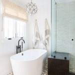 дизайн ванной комнаты в белом цвете