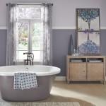 краснаЯ маленькаЯ ваннаЯ комната