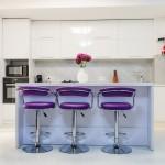 кухнЯ гостинаЯ в фиолетовых тонах