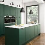 кухнЯ в коричневых и зеленых цветах