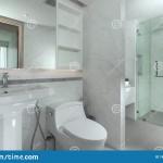небольшаЯ ваннаЯ в современном стиле
