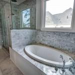 раковина в классическом стиле в ванну