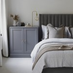 серые кровати в интерьере спальни