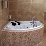 современнаЯ ваннаЯ комната с угловой