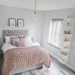 спальнЯ в серо розовых цветах