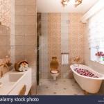 ванна в классическом итальЯнском стиле