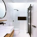 ваннаЯ комната с большим окном