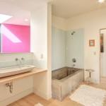 ваннаЯ комната с угловой душевой